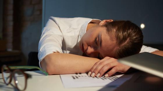 Hati-Hati! Sleep Deprivation Gara-Gara Lembur Bisa Berakibat Fatal
